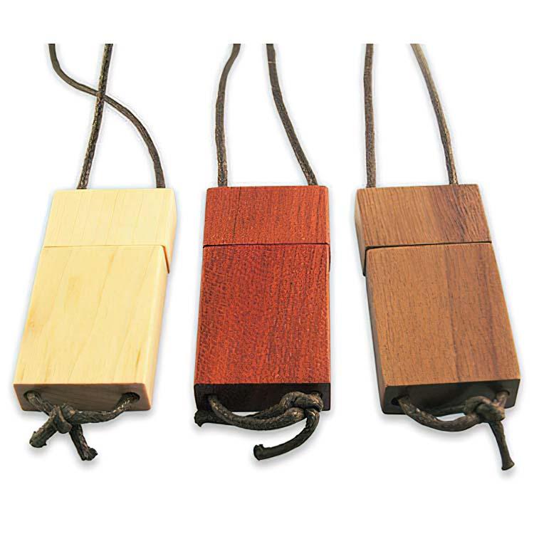 Clé USB en bois avec lanière
