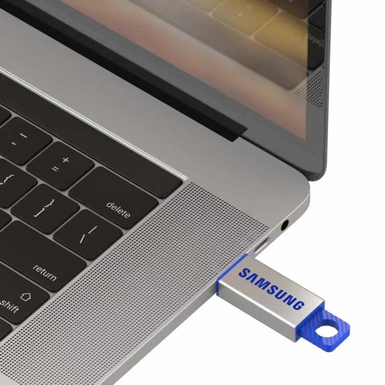 Clé USB Intrek #2