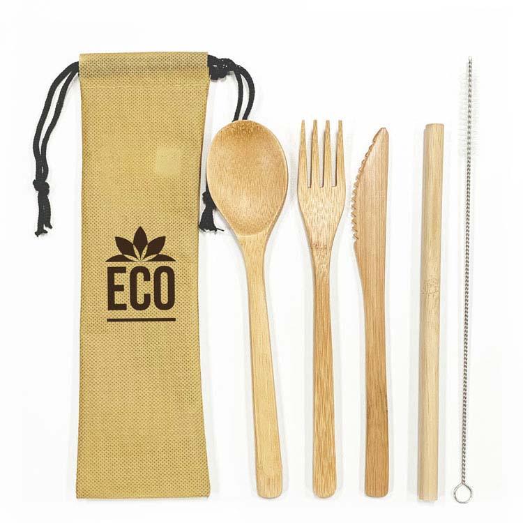 Ensemble d'ustensiles et paille en bambou